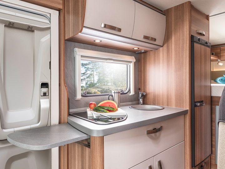Weinsberg Caraloft 650 MEG Küche
